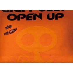 Gigi pussy-open up