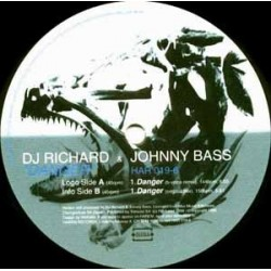 DJ Richard & Johnny Bass – Danger