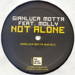 Gianluca Motta Feat. Molly – Not Alone
