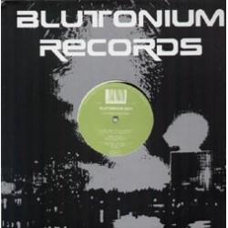 Blutonium Boy – Hardstyle Instructor(2 MANO,HARDSTYLE,CARA B MUY BUENA¡)