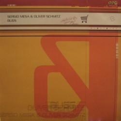 Sergio Mesa & Oliver Schmitz – Bugs (2 MANO,BASE REMEMBER DEL 2000)